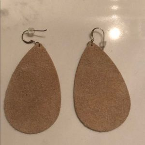 Jewelry - Silver leather tear drop earrings